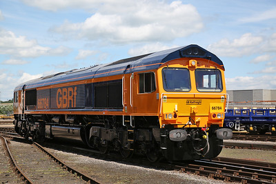 66784, Eastleigh Works, fresh from renumbering from 66081, and a repaint into GBRF colours, this is going to work the 3rd/4th shuttle - 02/06/18