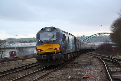 88003, Blackburn, being propelled into the platform by 57307 (out of shot) with the stock for 1Z23 - 09/02/19