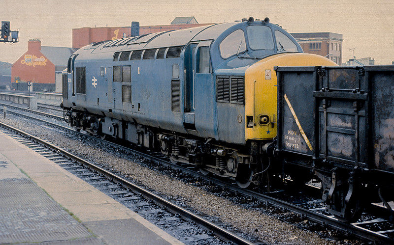 37230 Cardiff Central 10 June 1986