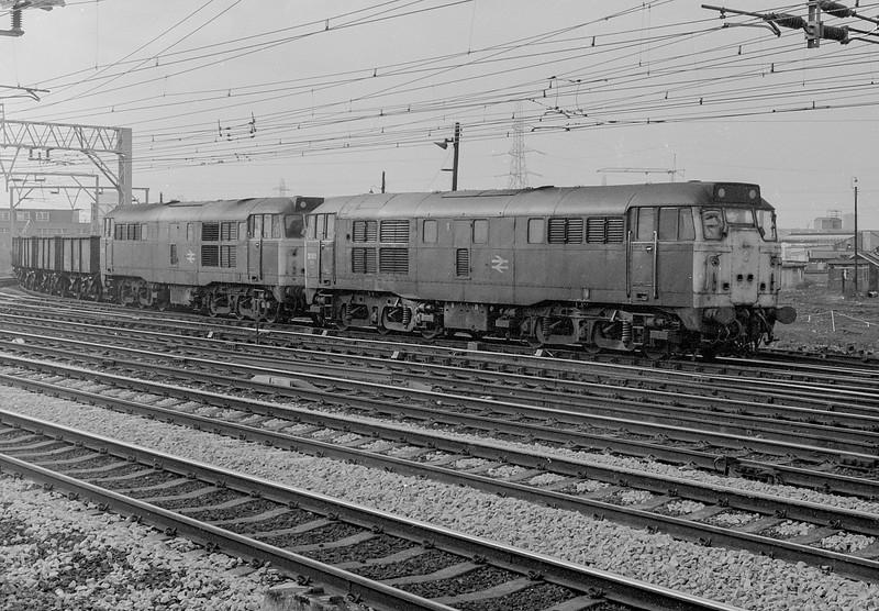 31185 + 31223 Stratford 1 March 1984