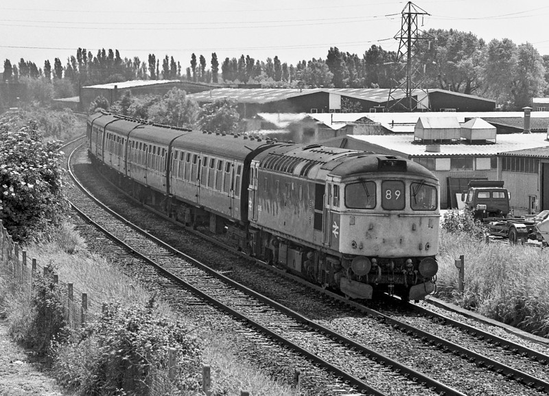 33015 heads west through Cosham with a Portsmouth - Cardiff service in May 1987