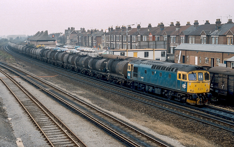 33001 Eastleigh 26 February 1987