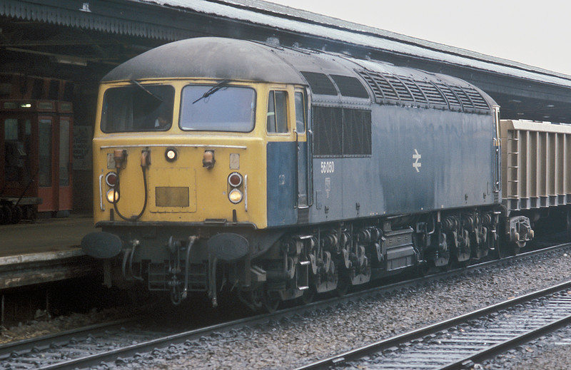 56050 pulls into Reading with stone empties on 22 March 1985