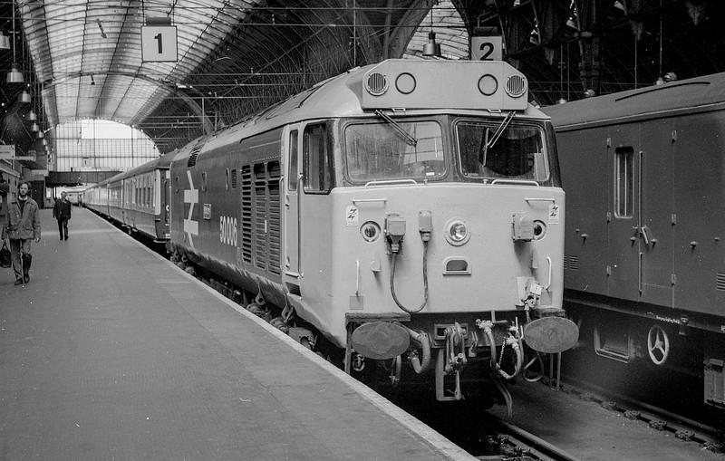 50006 'Neptune' sits at the blocks at Paddington in April 1984