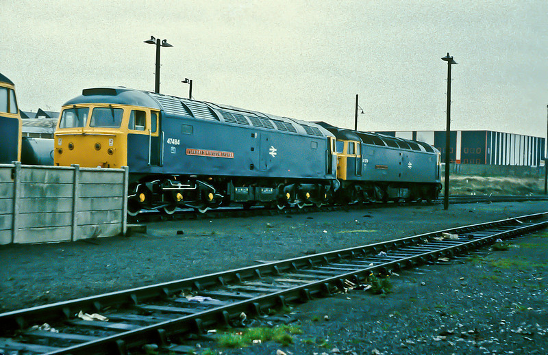 Before they both turned green 47484 and 47079 are stabled together at Old Oak Common on 21 November 1982