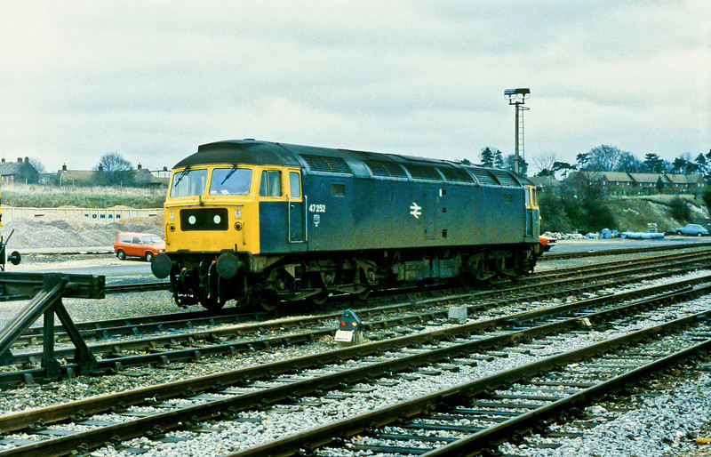 47252 is stabled at Basingstoke on 21 November 1982