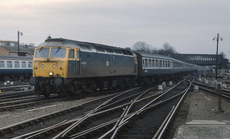 47438 pulls into York on 7 February 1985