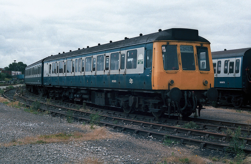 An unusual visitor to Fratton was a four car Class 115 unit in 'Chiltern Rail' branding - M51680 leads the formation in this shot