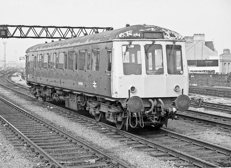 DB975042 Cardiff Central 27 April 1987