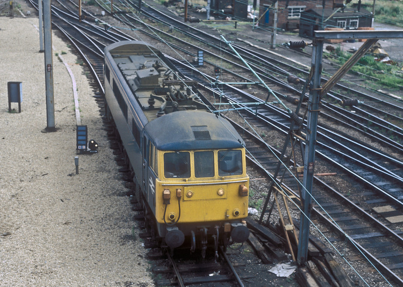86402 at Willesden on 4 August 1986