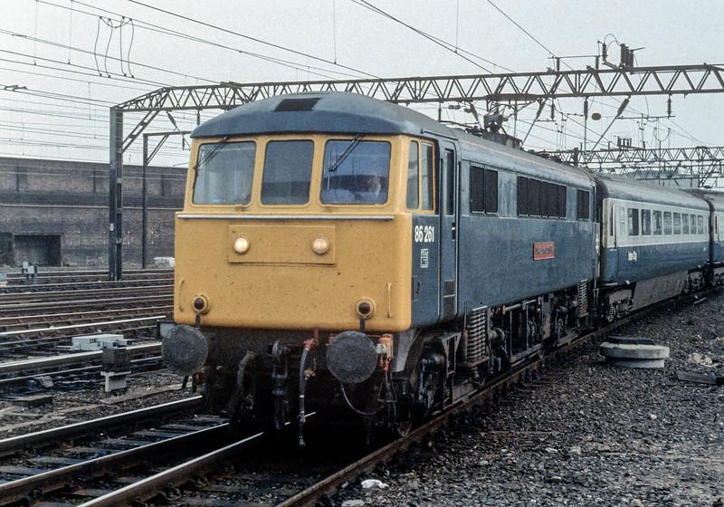 86261 Crewe 29 October 1982