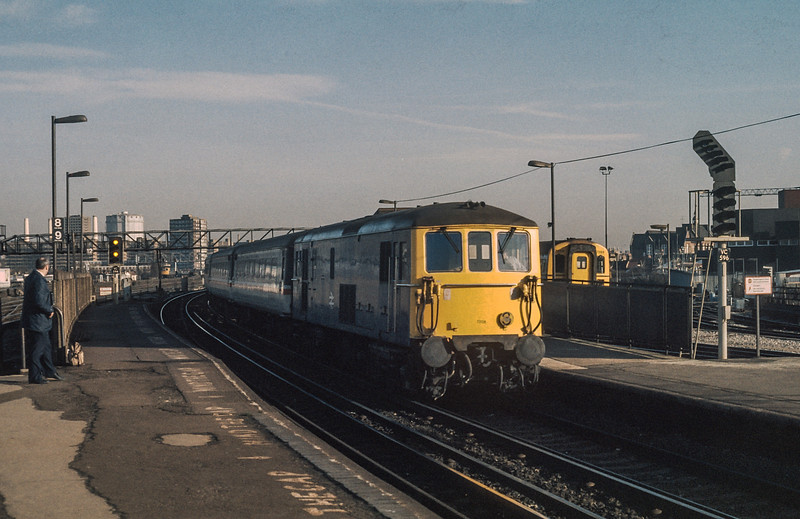 73128 Clapham Junction 23 January 1986