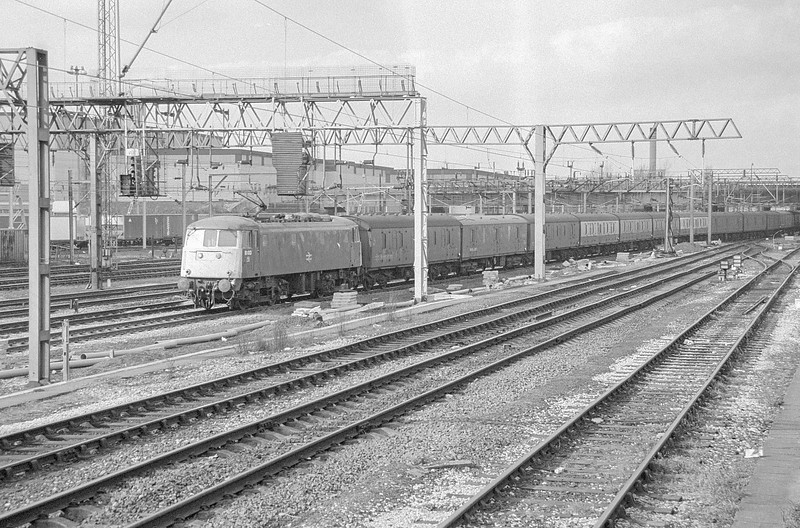 81013 Willesden 20 February 1987