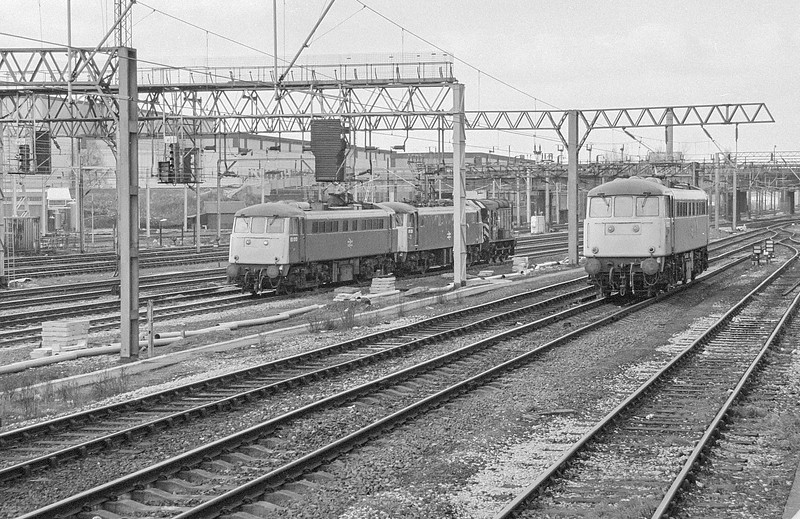 85010 + 81021 and 85025 Willesden 20 February 1987