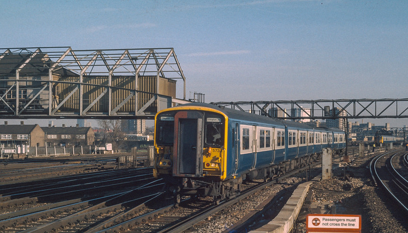 455733 Clapham Junction 23 January 1986
