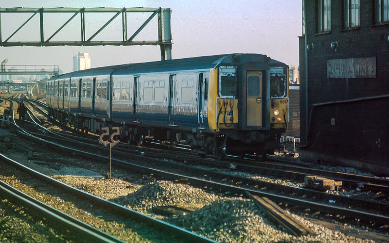 455817 Clapham Junction 20 January 1986