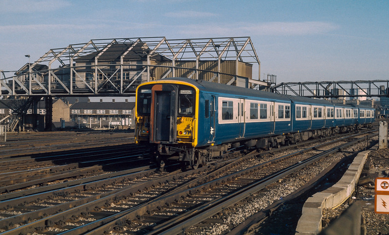 455726 Clapham Junction 23 January 1986