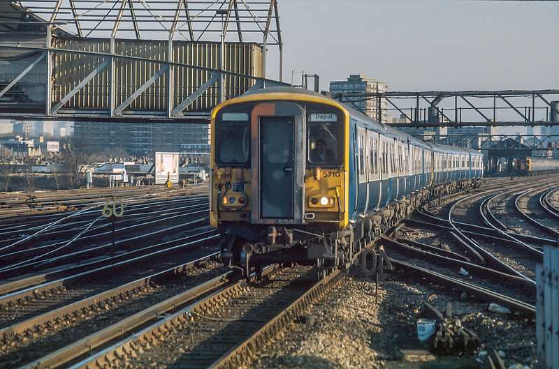 455710 Clapham Junction 20 January 1986