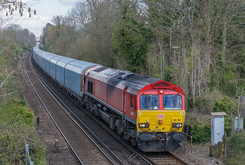 66192 4O39 Morris Cowley to Southampton Eastern Docks; St. Cross, Winchester 16 April 2021