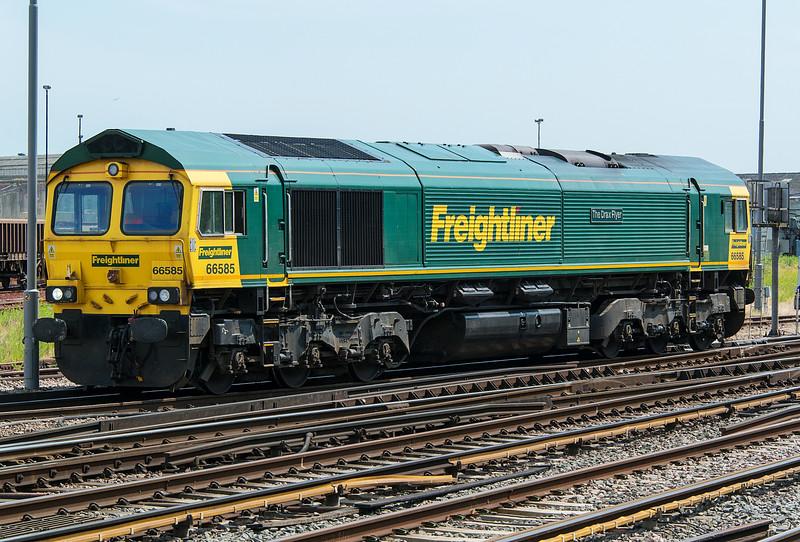 66585 Eastleigh 3 July 2015