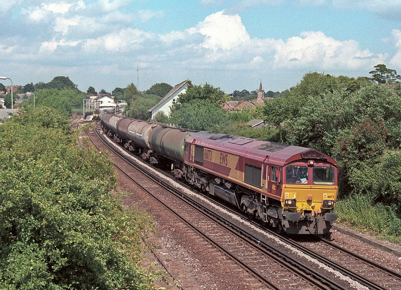 66173 heads south through Petersfield on 28 June 2006 with the 'Hollybourne Tanks', the only booked freight working on the Portsmouth Direct