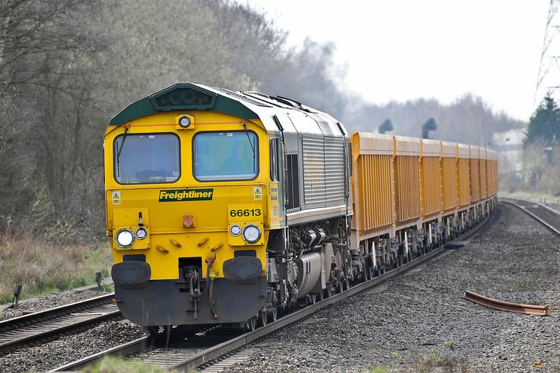66613 runs through Water Orton with 6M22 Westbury to Stud Farm on 9 April 2010
