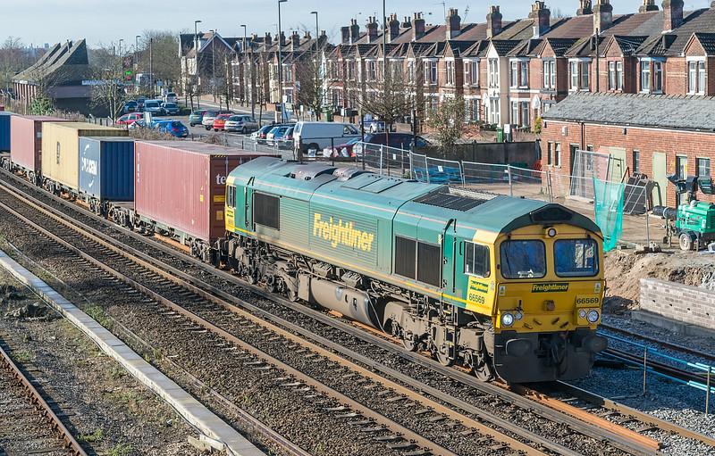 66569 Eastleigh 4 March 2014