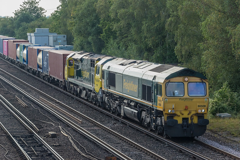 66508 + 70006 Worting Jn. 16 September 2021 with 4M61 Southampton MCT - Trafford Park (70006 failed just north of Winchester and had to be rescued!)