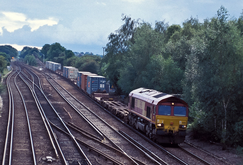 66150 heads north through Worting Junction with 4M70 Southampton to Willesden on 20 August 2004