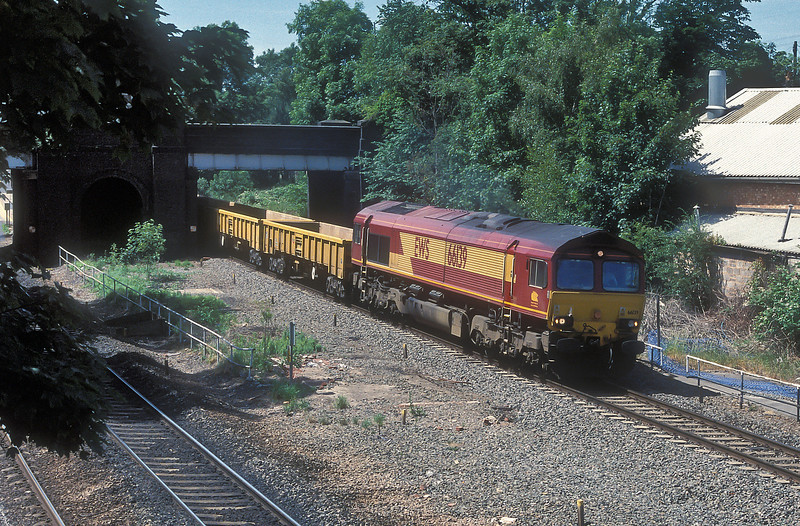 66139 takes the Burton on Trent line at Water Orton on 22 June 2005