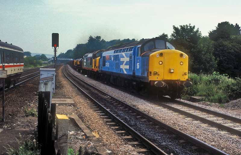 37501 and 37502 were still the regular power on the daily train to Corby on 4 July 1987 - passing Chesterfield the dark blue stripe has now been applied to the lower bodyside of 37501