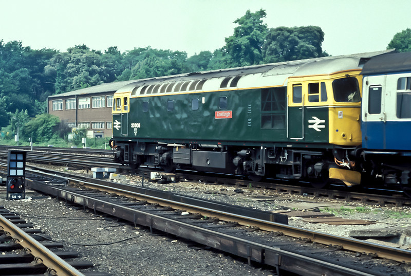 33008 'Eastleigh' pulls away from Southampton Central on 28 June 1986