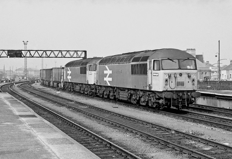 56037 + 56050 Cardiff Central 27 April 1987