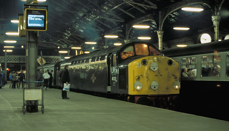 Green-liveried 40122 waits for departure time at Preston on 19 March 1985 with a service for Liverpool