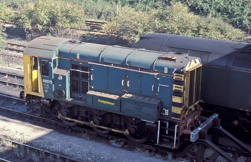 08575 in the Freightliner maintenance depot at Millbrook on 4 September 2004