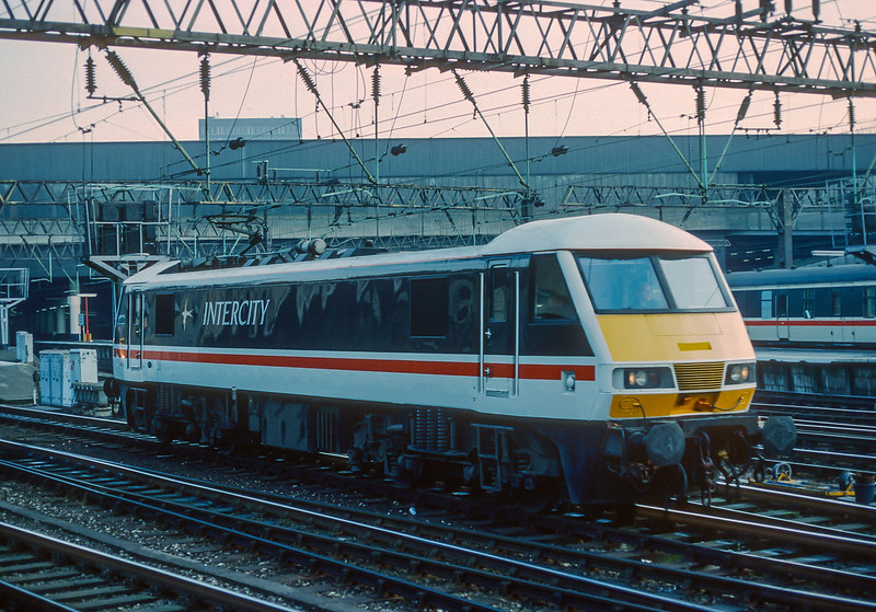 90006 Euston 26 January 1989