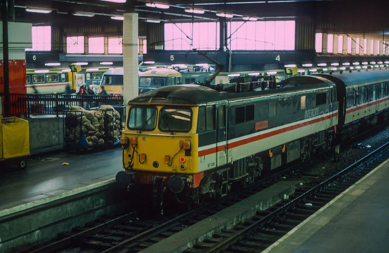 87018 Euston 26 January 1989