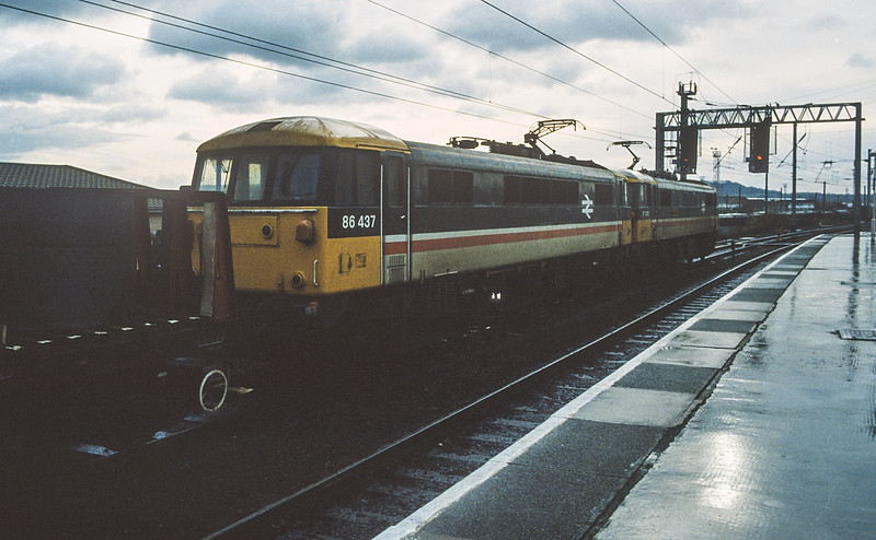 86437 + 87010 Warrington Bank Quay 18 November 1986