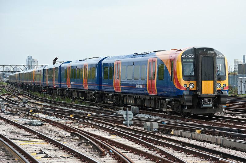 450072 Clapham Junction 28 April 2010