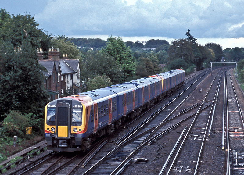 SWT Desiros 450010 and 450014 pass Worting Junction on 20 August 2004 with an up service