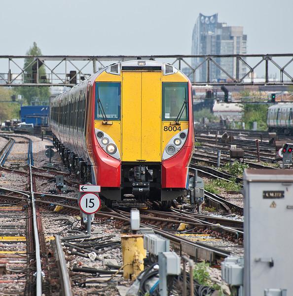 458004 Clapham Junction 28 April 2010
