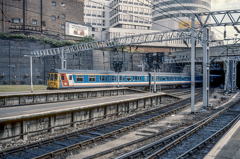 310077 Birmingham New St. August 1987