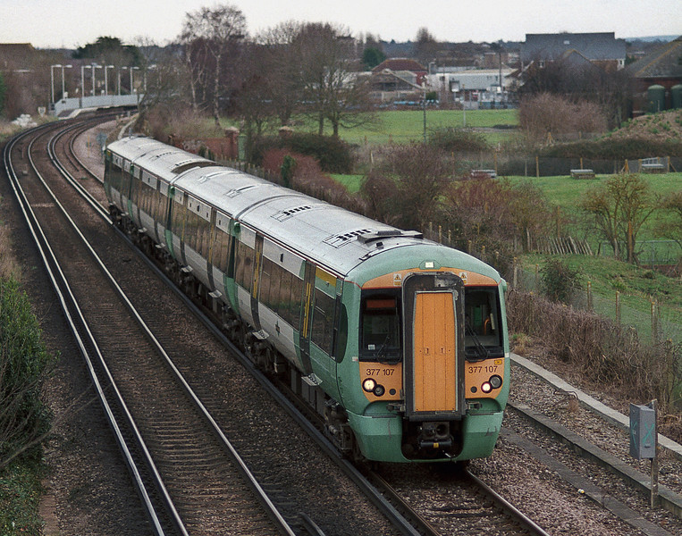 Southern 377107 rushes through Bedhampton with a down service on 22 January 2008