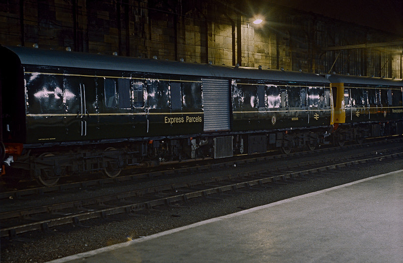 In 1985 several redundant Bed-Pan Class 127 units were rebuilt for parcels and newspaper traffic. The last conversion was finished in green livery and M55966 is seen at Carlisle on 30 September 1985