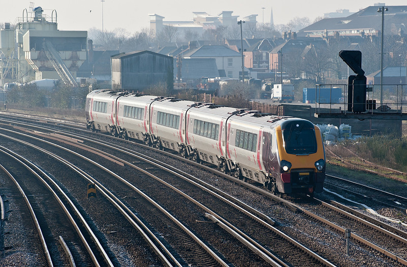 221139 heads north at St Denys on 11 February 2012