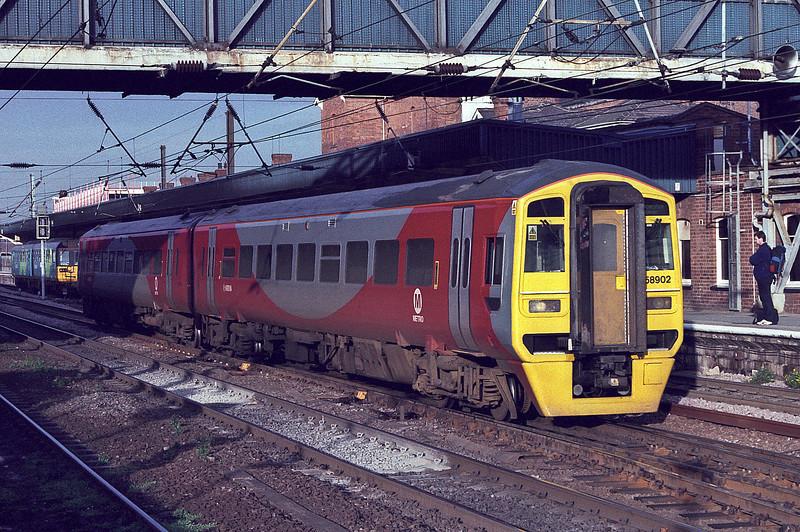 'Metro'-branded 158902 leaves Doncaster on 28 November 2003