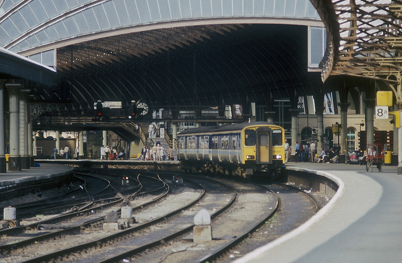 150230 pauses under the train shed at York on 6 July 1987