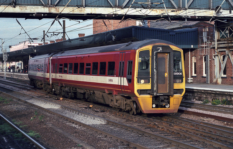 158906 still wears the original 'Metro' livery at Doncaster on 28 November 2003