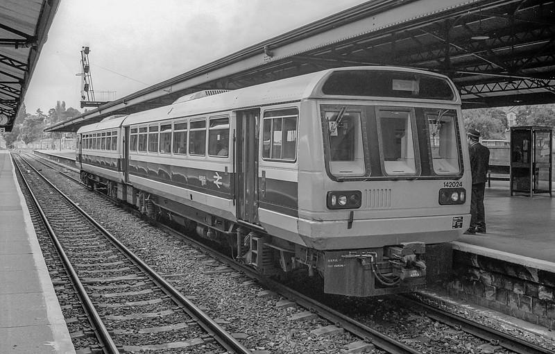 142024 Paignton 9 June 1987