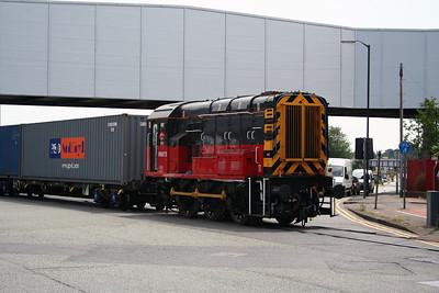 08 873 at Trafford Park (MSC Lines) on 28th June 2005 (7)